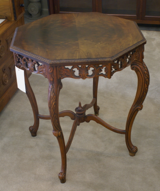 Beautiful Octagon Shaped Antique Table 538 x 640 · 307 kB · jpeg