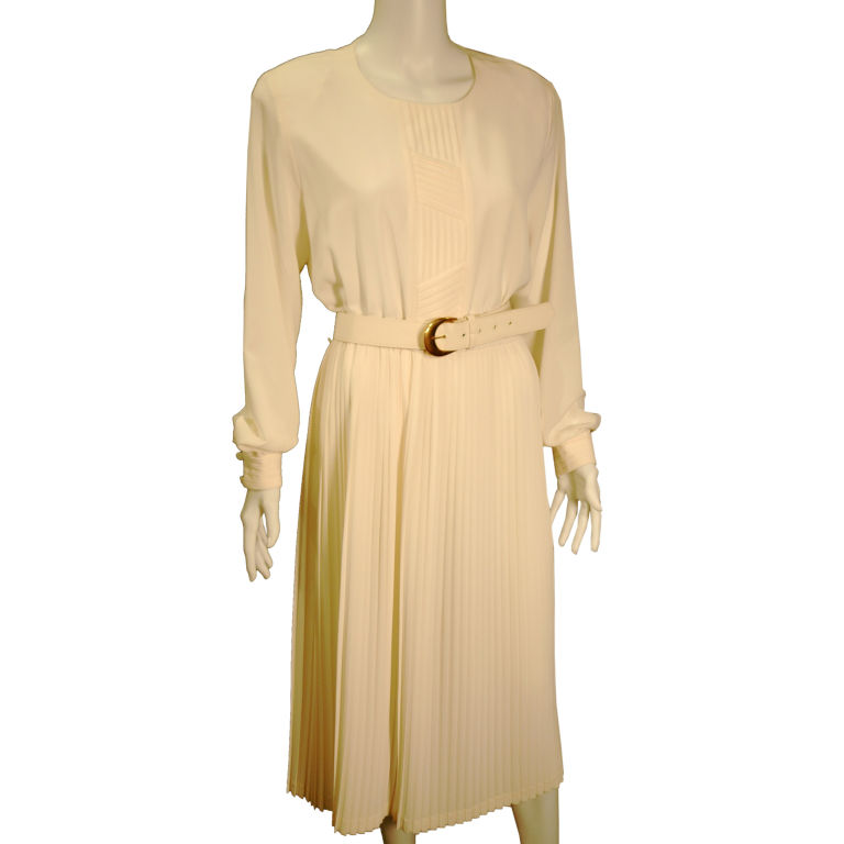 Lilli Ann Classic White Pleated Shirt Waist Dress For Sale