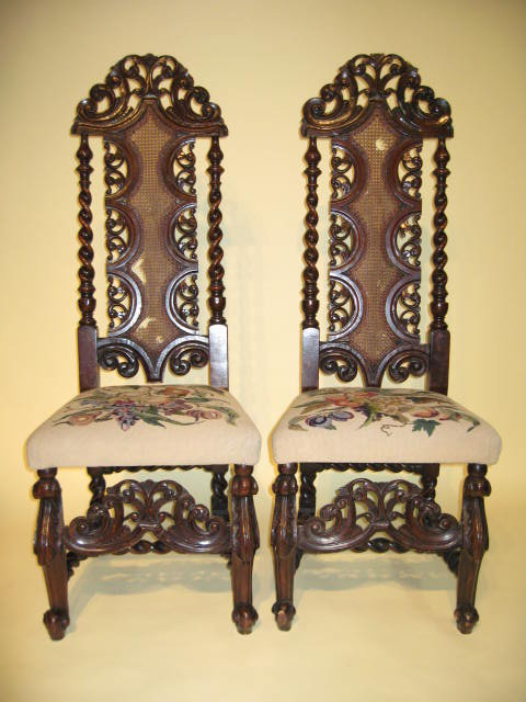 Late17th early 18th century Pair of William & Mary late 17th century or  early 18th century carved walnut hall chairs. Circa 1720. Phenomenal. - 17th 18th Century Pair William Mary Hall Chairs For Sale Antiques