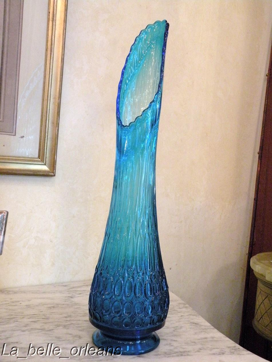 Italian Glass Vases Look Stunning and Attractive in Any Home