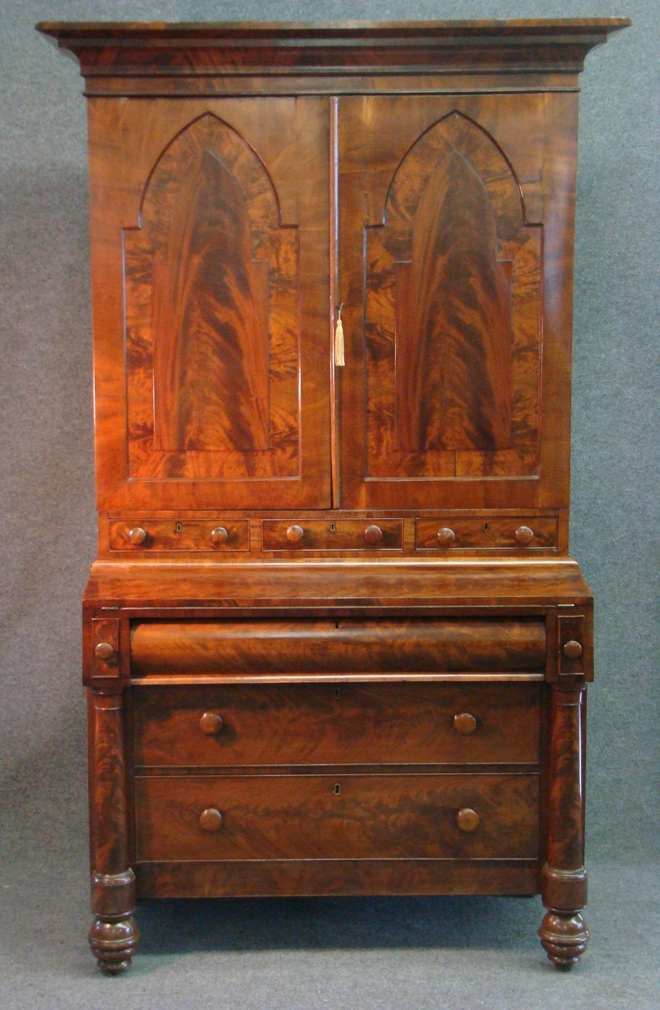 Fine Early 19th C American Classical New York Mahogany Mahogany Veneer Secretary For Sale