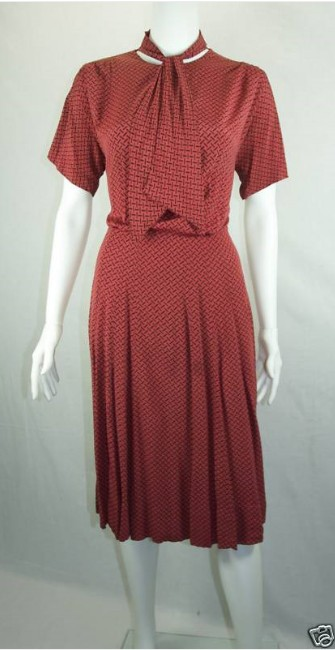 VINTAGE 1940&-39-S RED &amp- BLACK DRESS SIZE XL PLUS For Sale - Antiques ...
