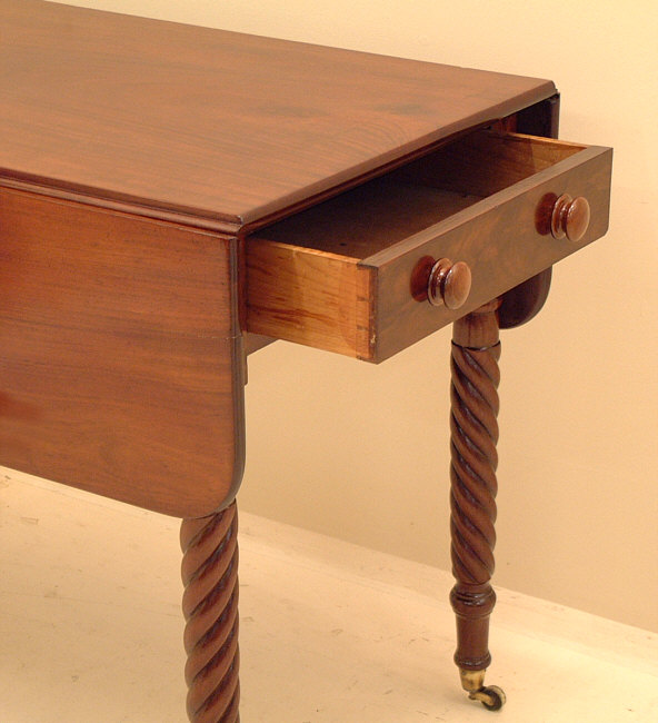 Antique American Sheraton Drop Leaf Pembroke Table : Item # 4032   For Sale