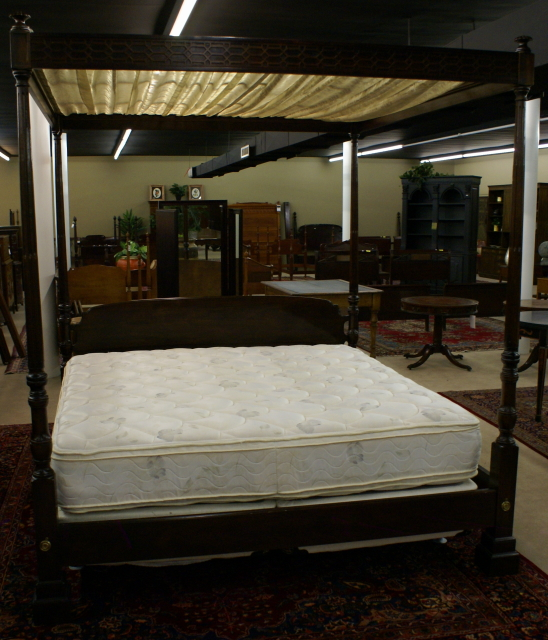 Incredible Mahogany Signed Henredon Folio Fourteen King Size Tester Bed For Sale