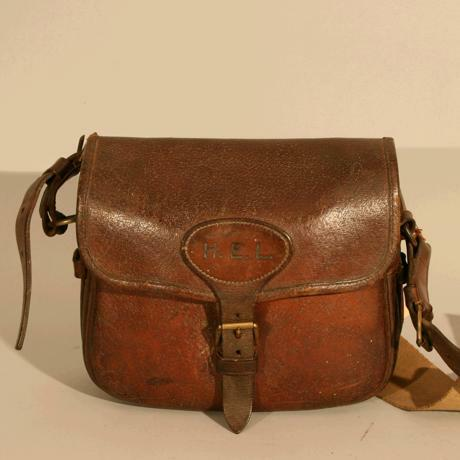 VINTAGE LEATHER CARTRIDGE BAG. - For Sale