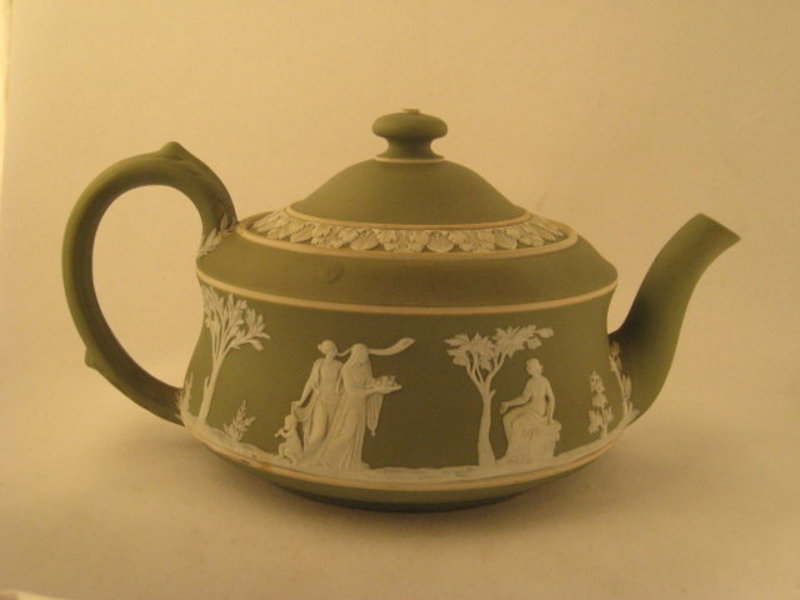 Green And White Wedgwood Teapot For Sale