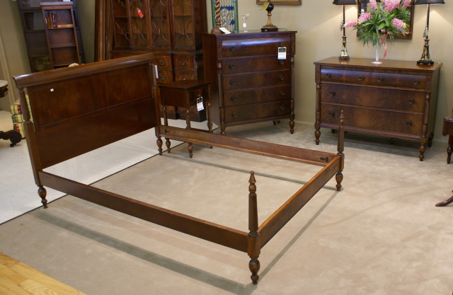 Very nice flame mahogany 5 piece complete bedroom suite for Very nice bedroom furniture