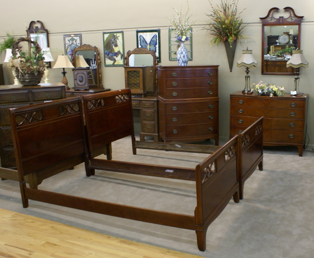 Antique Bedroom Furniture Set 6 -Pictured above is a another complete  mahogany twin bedroom set. This set features a mahogany bow front high  chest, ... - Complete Mahogany Twin Bedroom Set For Sale Antiques.com