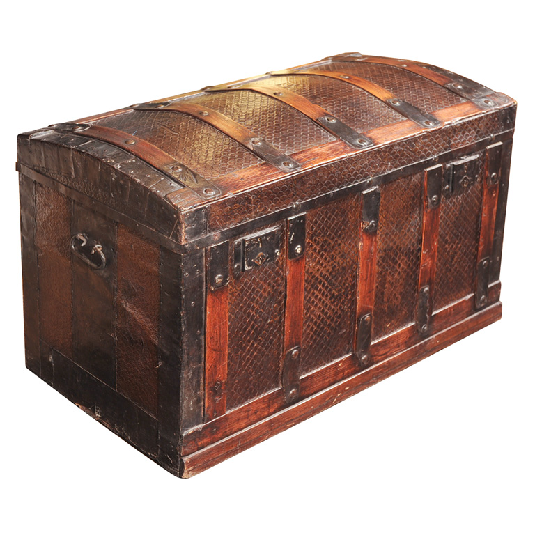 19th century spanish trunk for sale - Resource furniture espana ...