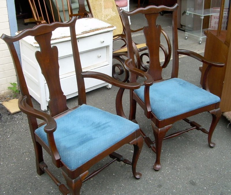 Set Of 6 Queen Anne Style Chairs With Table For Sale Classifieds