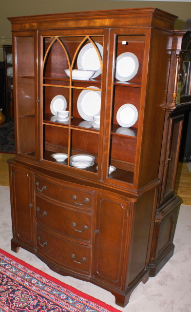 Bow Front Mahogany China Cabinet   For Sale