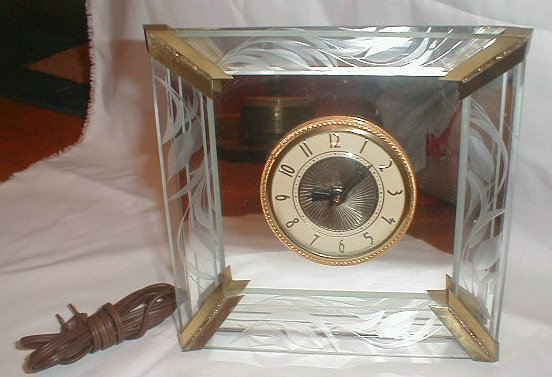 glass mirrored clock c127 for sale classifieds. Black Bedroom Furniture Sets. Home Design Ideas
