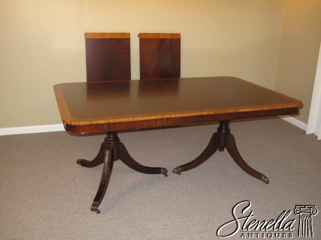 15758 Offered For Sale Is The Gorgeous Brand New Duncan Phyfe Style Mahogany Dining Room Table This Wonderful Features Solid Carved